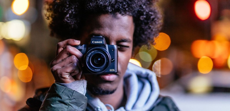 Canon EOS M50, Sony A6400, Nikon D7500 y más cámaras, objetivos y accesorios al mejor precio en el Cazando Gangas