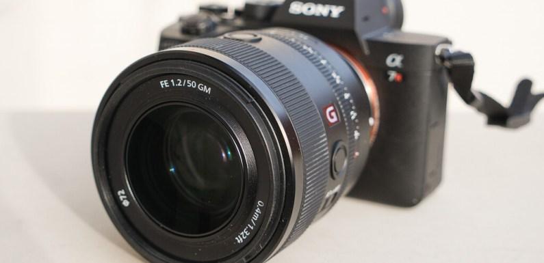 La herramienta 'Súper resolución' de Adobe, probando el Sony 50 mm F1.2 GM, 'El Lado Humano' del COVID-19 y más: Galaxia Xataka Foto