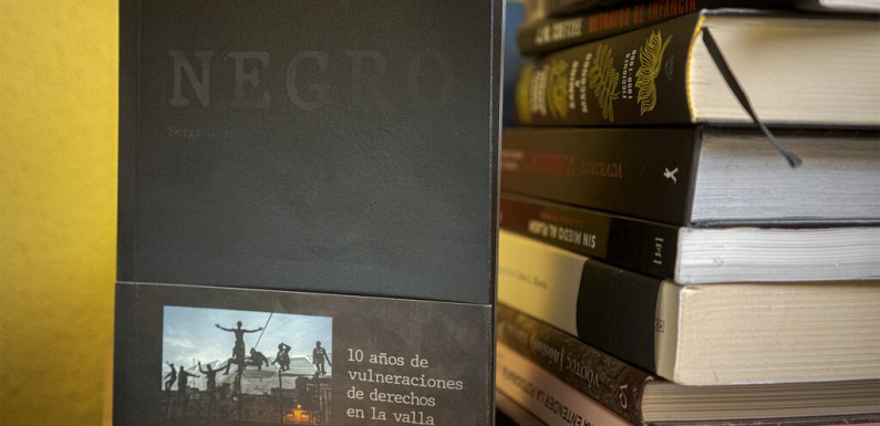 'Negro', el libro de Sergi Cámara sobre la migración: 'La fotografía es un medio muy potente para crear conciencia'