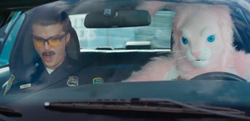 ¿Y si descubres que tu vida es un videojuego? Tráiler de 'Free Guy' con Ryan Reynolds, Jodie Comer y un conejo rosa