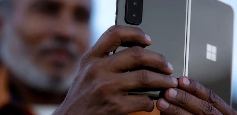 Las cámaras del Surface Duo 2: el móvil plegable de Microsoft ahora sí que está preparado para hacer fotos en condiciones
