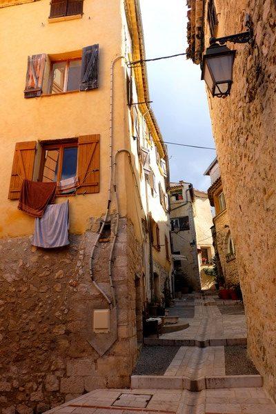 Ruelle du village d'Aspremont