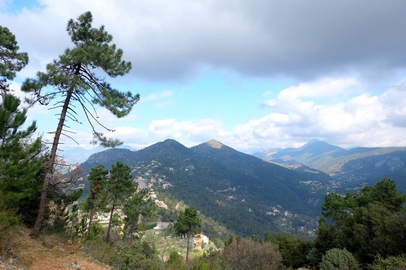 Vue depuis la montée du Mont Chauve