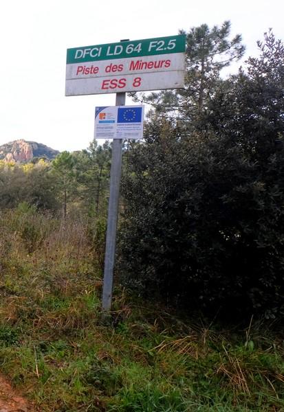 Piste des Mineurs DFCI à Théoule-sur-Met