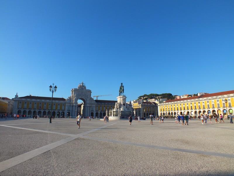 Place du commerce à Lisbonne