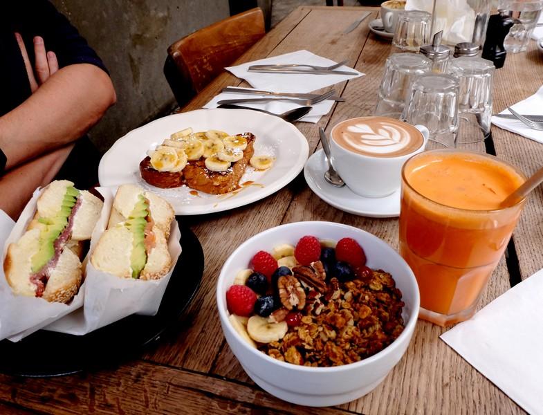 Brunch au café Passager à Paris