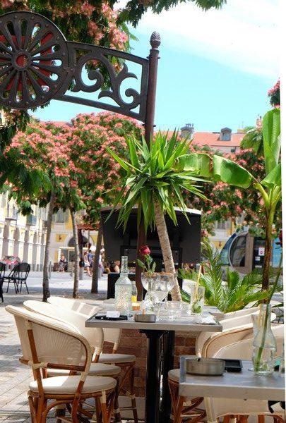 Vue sur la Place Garibaldi depuis la terrasse