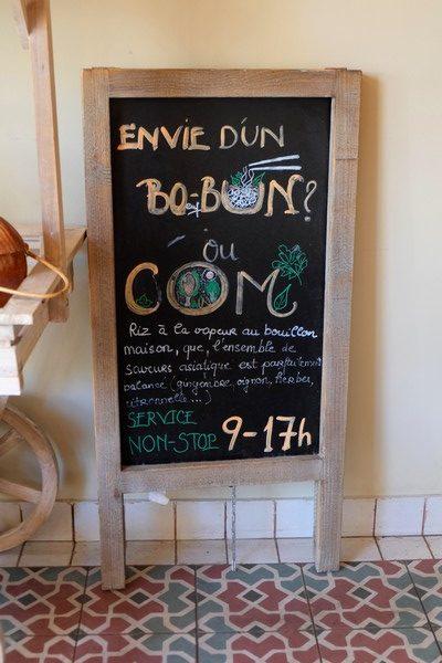Panneau indiquant des Bo bun dans un restaurant à Nice