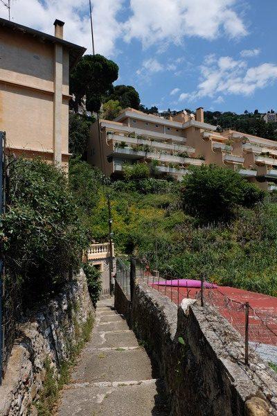 Escaliers pour visiter Roquebrune-Cap-Martin