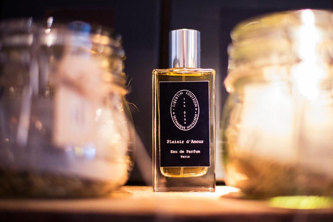 En parfumerie de niche, Technique Indiscrète propose des beaux parfums, aune collection addictive et accessible