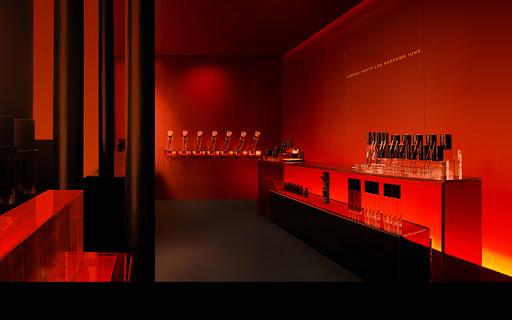 IUNX représente la parfumerie de niche du futur. Ses prix restent accessibles.