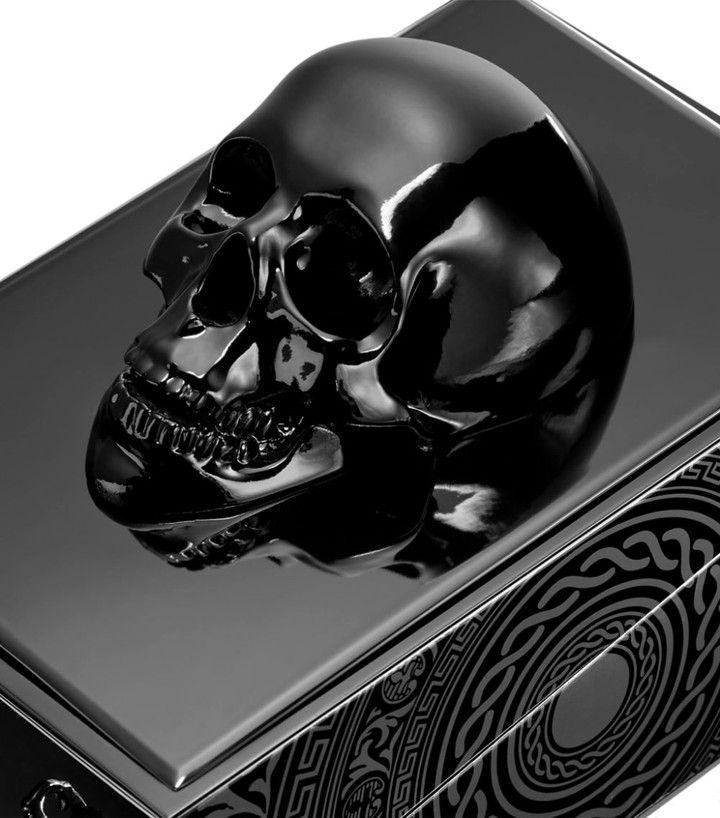 Dans la rue, Black Phantom, parfum de la marque By Kilian est la nouvelle hype