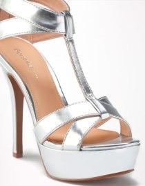 Zapatos metalizado
