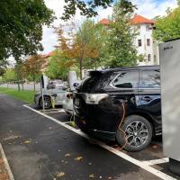 Primăria Brașov a lansat licitația  pentru încă 15 stații de încărcare a autoturismelor electrice
