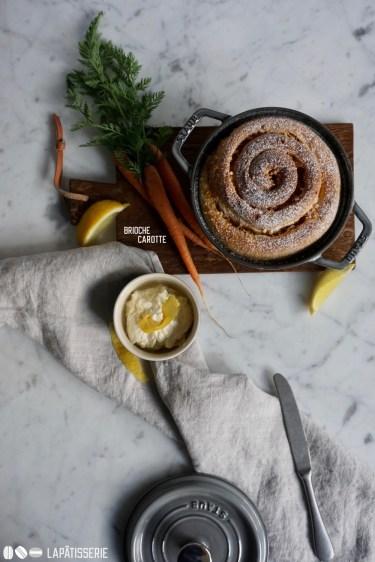 Was wäre Ostern ohne luftiges Gebäck wie dieser Brioche mit Karotte und Mandeln.