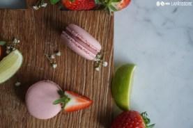 So muss der Frühling sein mit Erdbeere und Limette in einem Macaron vereint.