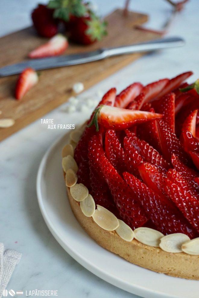 Feine Erdbeeren, fruchtige Erdbeercreme, zarter Mürbeteig: Tarte aux fraises.