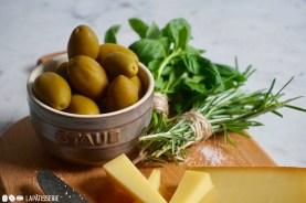Die grünen Oliven sorgen für einen angenehmen sommerlichen Geschmack.