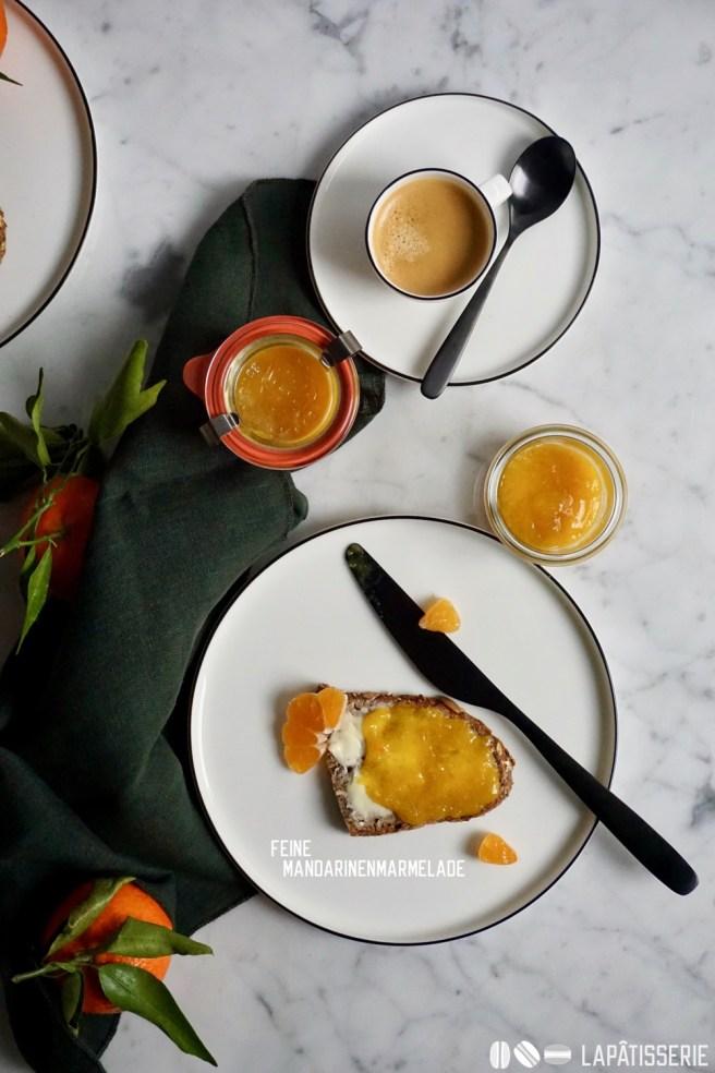 Frühstück ist doch die wichtigste Mahlzeit am Tag. Heute mal mit feiner Marmelade aus Mandarinen.