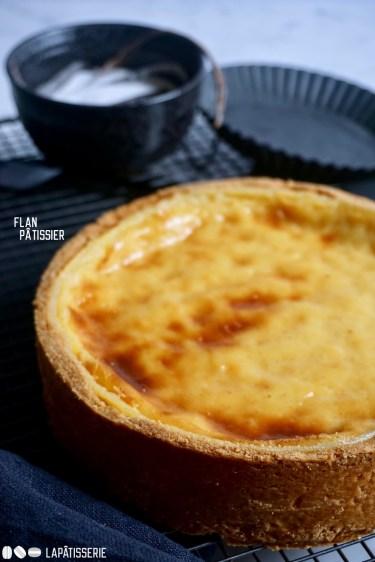 Traditioneller Flan Pâtissier mit echter Vanille. So lecker und einfach zuzubereiten.