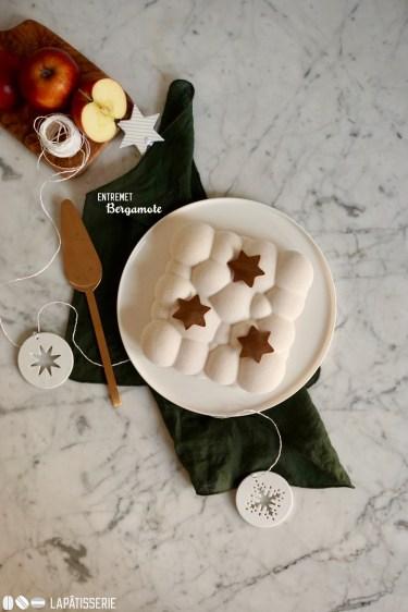 Eine winterliche Torte mit fruchtiger Bergamotte, würzigem Apfel und Schokobiskuit.