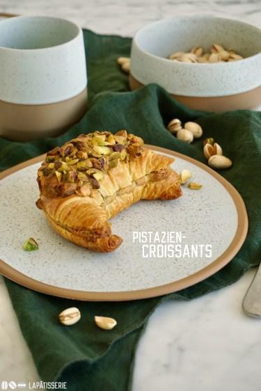 Feinste Croissants gefüllt mit einer leckeren Pistaziencreme und nochmal gebacken. Schnell zubereitet für das beste Frühstück.