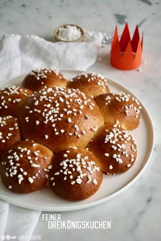Flauschig-weicher Briocheteig für einen Dreikönigskuchen - auch perfekt zum Frühstück
