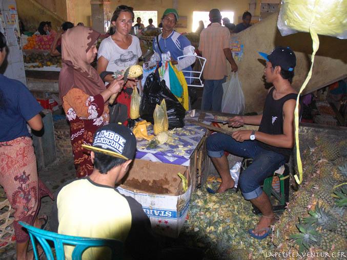 Ananas au marché indonésien