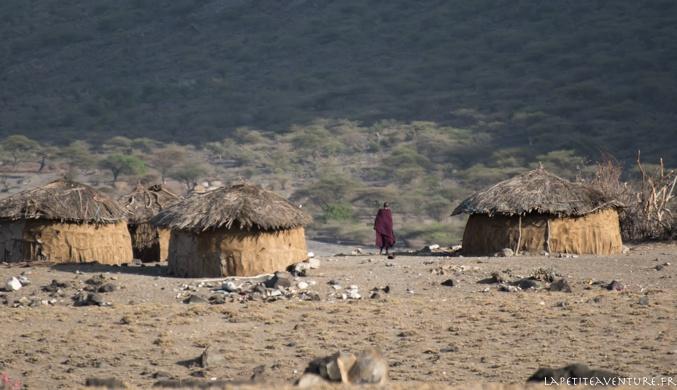 huttes masaïs