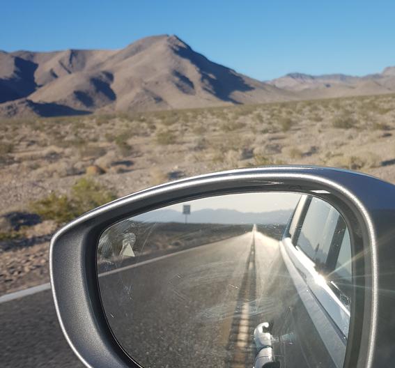 Un regard en arrière, entre La Vallée de la Mort et Las Vegas - Juillet 2019
