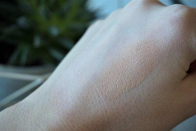Swatchs Fond de teint Idole Ultra Wear Lancome - La Petite Frenchie