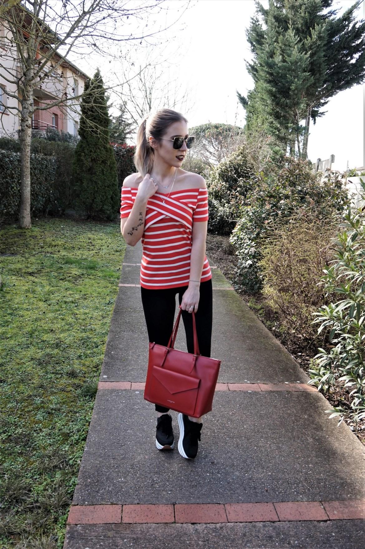 Look en rouge et noir - La Petite Frenchie