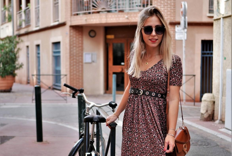 Look robe longue fleurie et boots - La Petite Frenchie