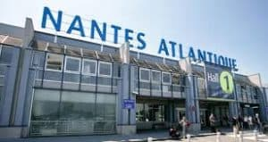 Essential information about your Vendée holiday showing image of Nantes Atlantique Airport.