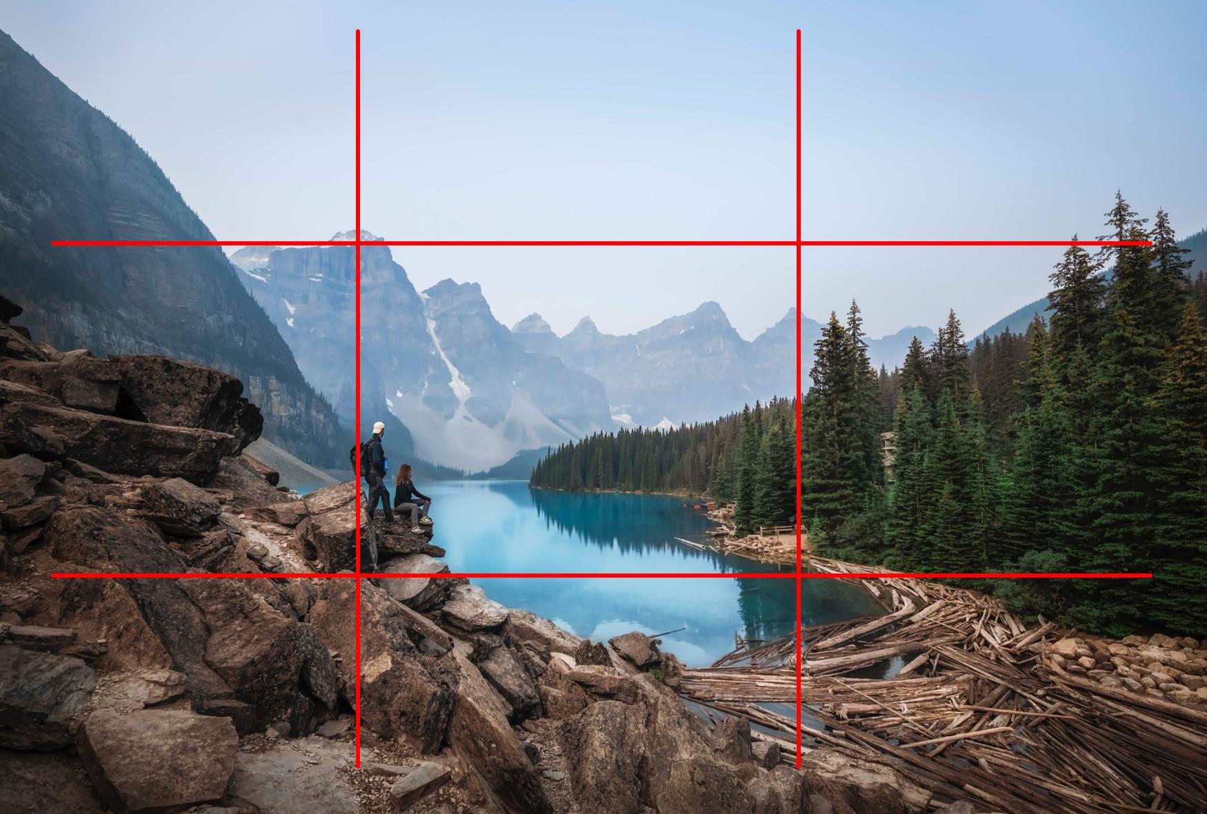 """Paysage Moraine Lake Canada - Image illustrant l'article """"Travailler la composition avec la règle des tiers"""" - La Photo clic par clic"""