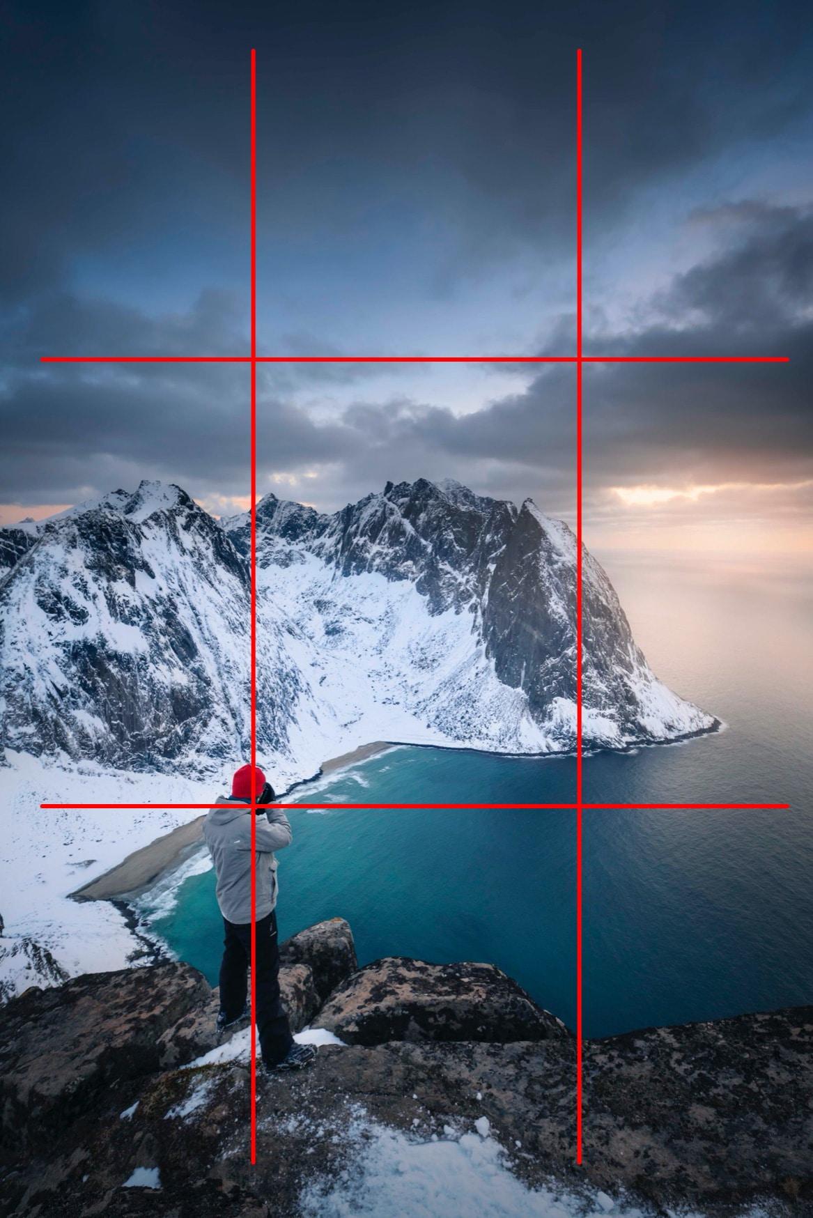 """Paysage montagne Ryten Norvège - Image illustrant l'article """"Travailler la composition avec la règle des tiers"""" - La Photo clic par clic"""