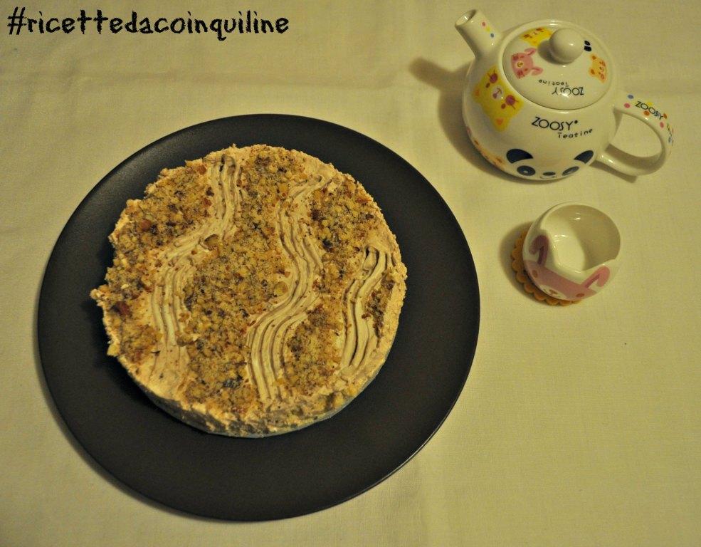 Cheesecake con crema alle nocciole (senza glutine e senza uova)