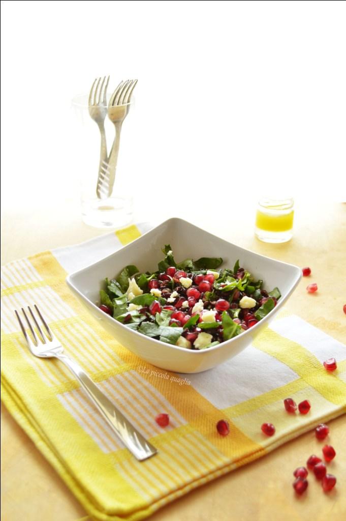 I menù fuori casa: insalata di riso venere con spinaci e melagrana