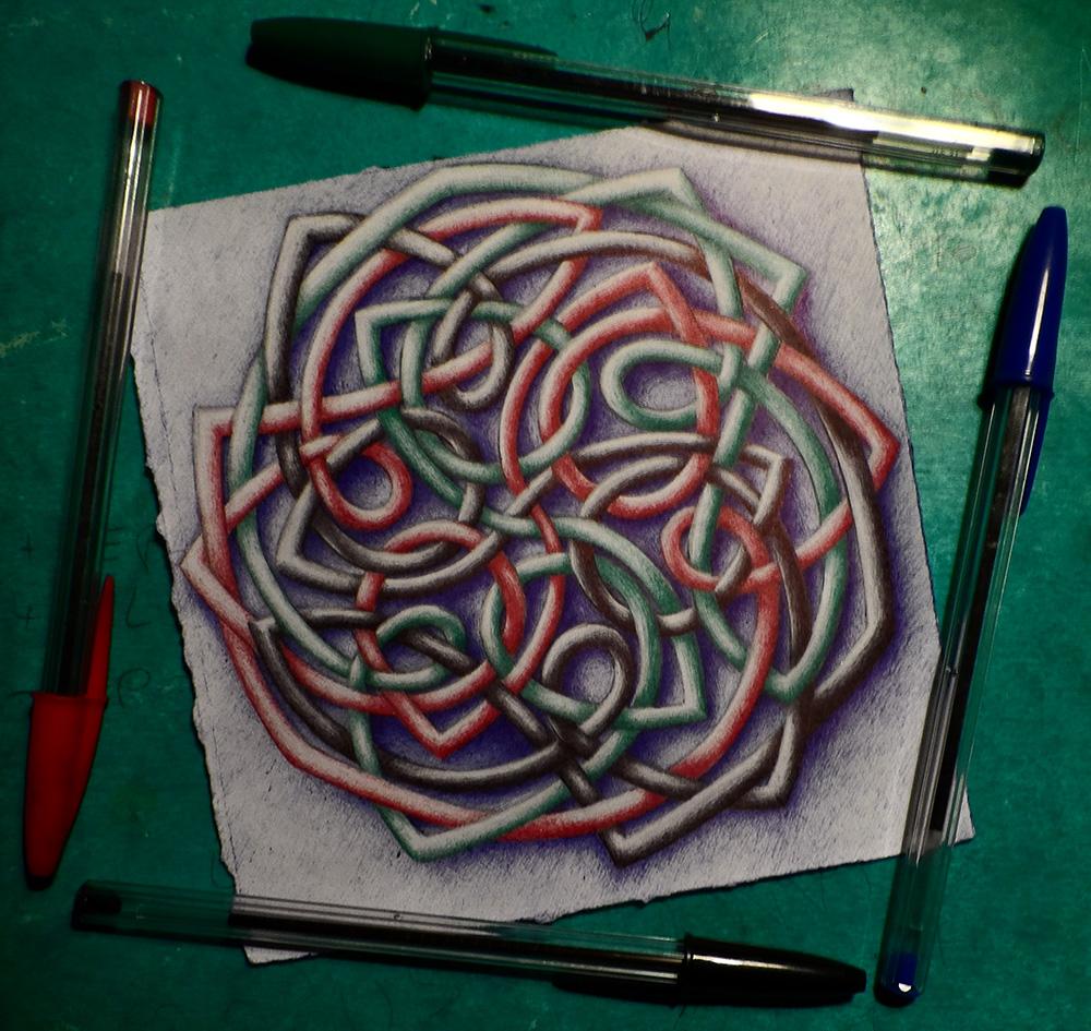 Entrelacs colorisés aux stylos bille