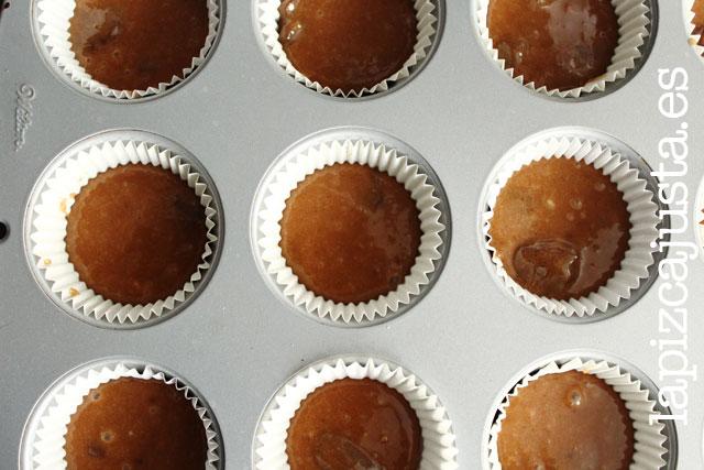 cupcakes de brownie antes de hornear