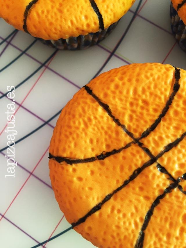 textura del fondant en las magdalenas de naranja