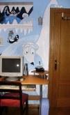 La habitación de hielo. Hace falta valor y una buena calefacción para atreverse a dormir en esta habitación. Tiene pingüinos, iglús, barcos barados, castillos de hielo y hasta un oso polar abrazando la puerta de entrada para darte la bienvenida.