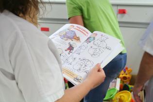 Livre pédagogique de coloriage sur les gestes qui sauvent.