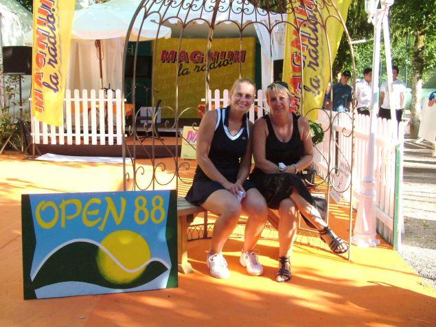 Jéléna Dokic (ex N° 4 mondial) et Véronique Perussault (directrice du tournoi)