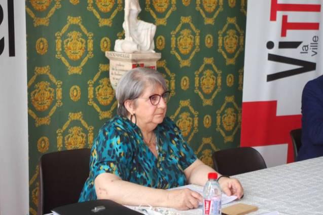 Marie-Thérèse Tomasini a présidé le début de sénace en sa qualité de doyenne de l'assemblée.