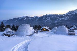 White-pod-hotel-sweden
