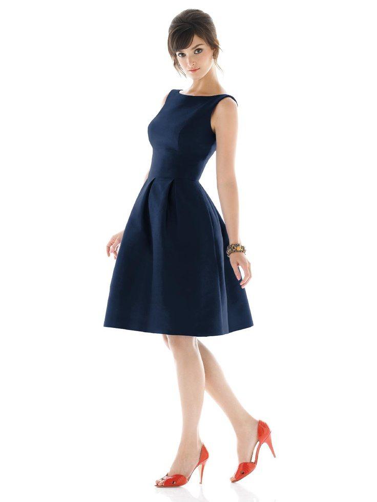 Establece el c digo de vestimenta para la boda la planner for What color shoes with navy dress for wedding