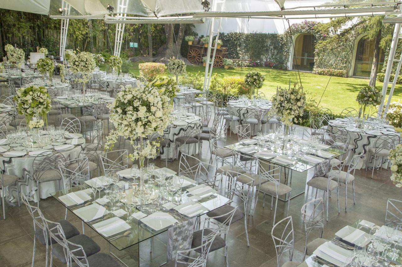 Decoración con flores para bodas: Hada Martens decoración floral