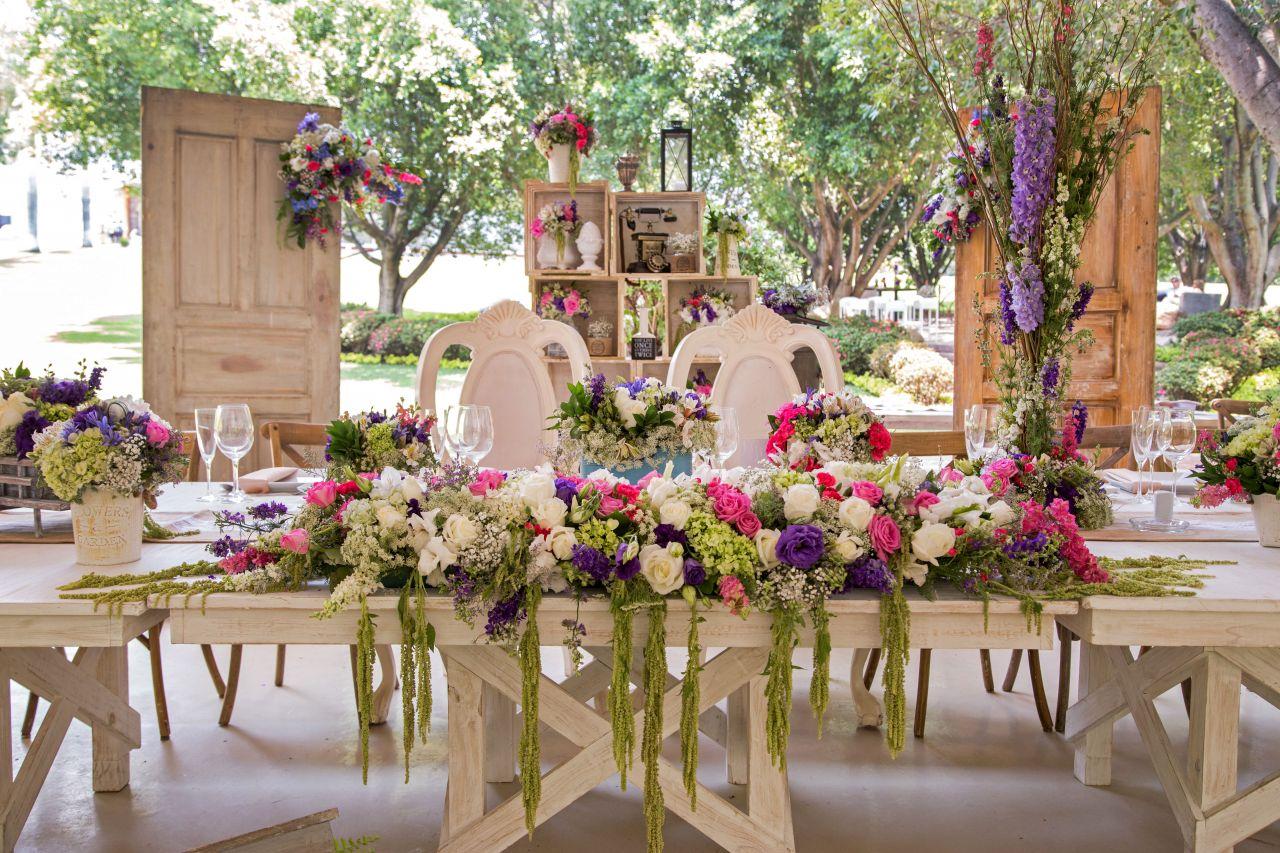 Decoraci n con flores para bodas hada martens decoraci n for Decoracion con plantas para fiestas