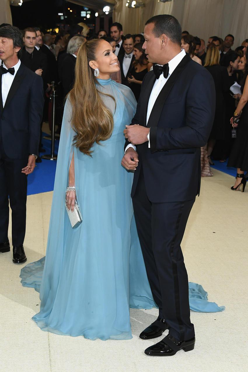 ¡Lo que no sabes de las parejas de famosos que deslumbraron la Red Carpet! MET Gala 2017 #RelationshipGoals